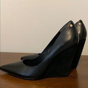 Rachel Roy black shoes